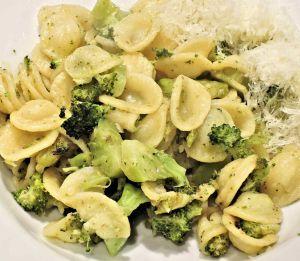 Pollo con brócoli y queso al sartén, ¡delicioso y fácil de preparar!