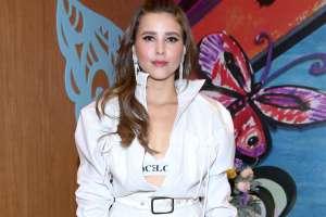 Paulina Goto posa en microbikini estampado, revelando su espectacular figura