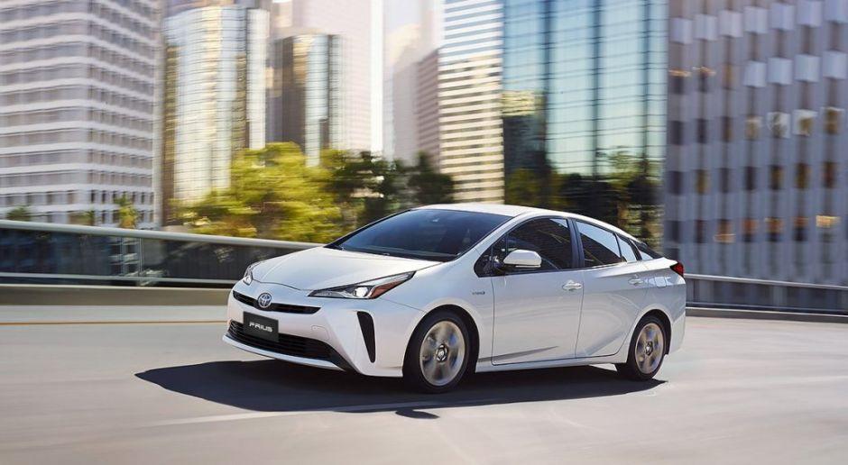 Toyota hace un llamado a revisión a los dueños de autos hibridos por problemas en el motor en Estados Unidos