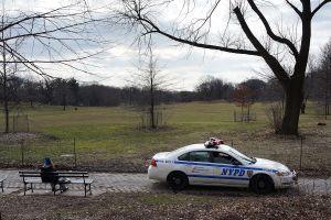 """Llaman """"egoísta"""" al alcalde de Nueva York por irse a pasear con su esposa a parque de Brooklyn"""