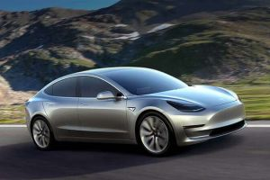 Hacker descubre que se venden piezas usadas de Tesla en Ebay