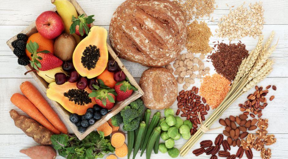 Por qué la fibra es el nutriente fundamental para perder peso, según especialistas