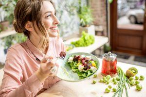 4 poderosas combinaciones de alimentos para bajar de peso rápida y saludablemente