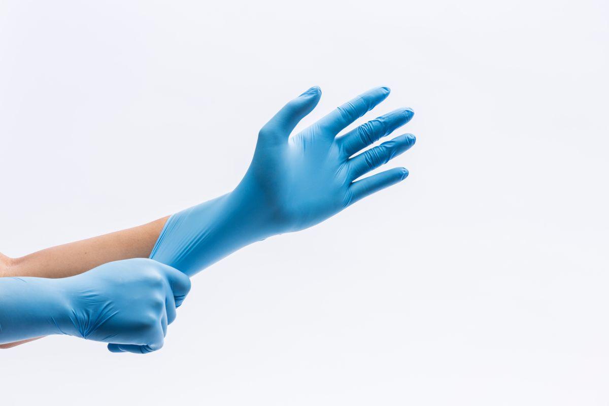 4 kits de guantes desechables para proteger tus manos en caso que necesites salir de casa