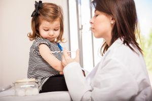 Conoce las vacunas que necesita tu hijo según su edad