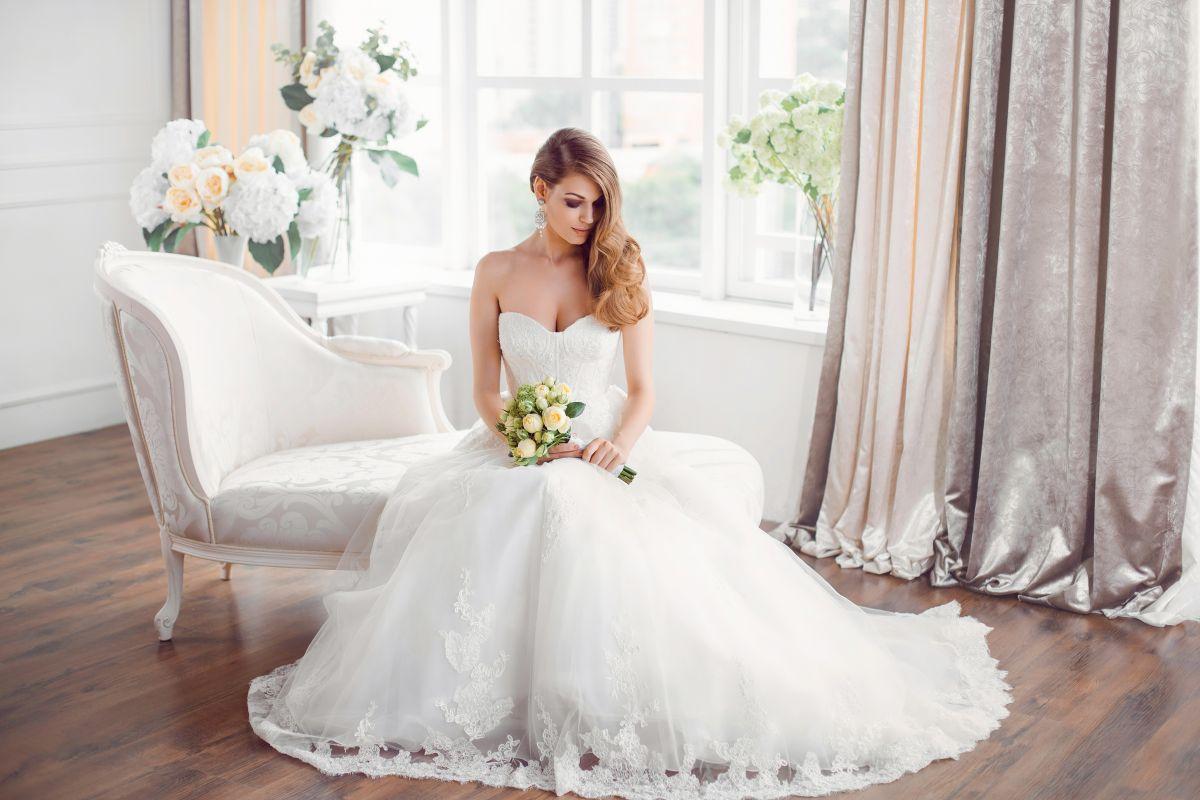 Los 7 mejores vestidos de novia con escote de corazón que puedes usar en tu boda sin gastar mucho dinero