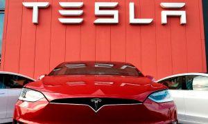 Tesla despedirá trabajadores y reducirá los salarios debido al coronavirus