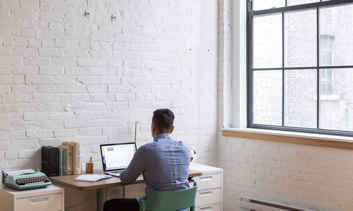 ¿Tienes que trabajar desde casa? Tres recomendaciones básicas