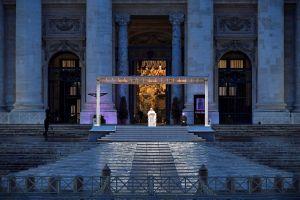 El papa Francisco recortó salarios de cardenales y otros clérigos en El Vaticano por la pandemia