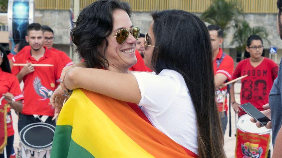 """""""Es la conquista de nuestra dignidad"""": el primer matrimonio gay en Centroamérica"""