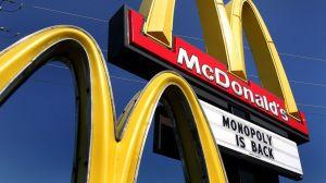 Empleados baleados en restaurante McDonald's en pelea por distanciamiento social para evitar coronavirus