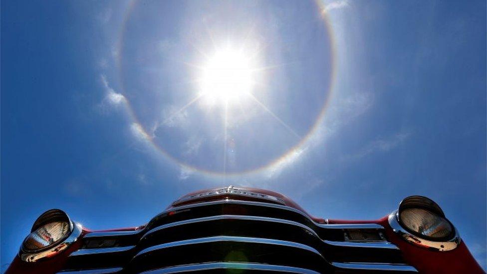 El anillo alrededor del sol visto el viernes sorprendió a muchos en la capital de Cuba.