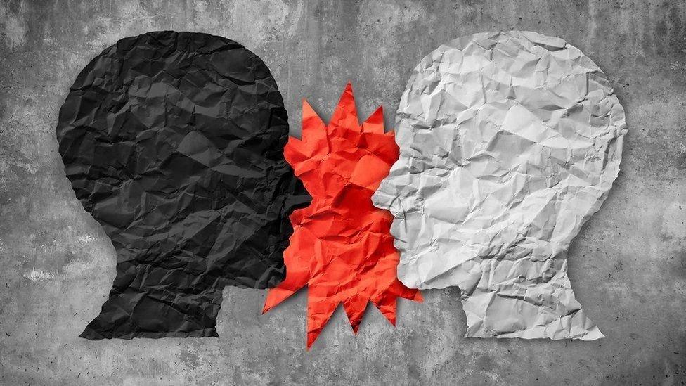 Cómo discutir con un racista: 5 argumentos científicos que desmienten mitos y estereotipos