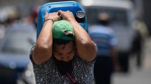 """Informes advierten que la pandemia de coronavirus es una """"bomba de tiempo"""" en Venezuela"""