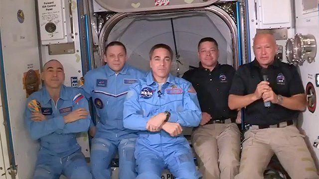 Los astronautas del SpaceX entran con éxito en la Estación Espacial Internacional