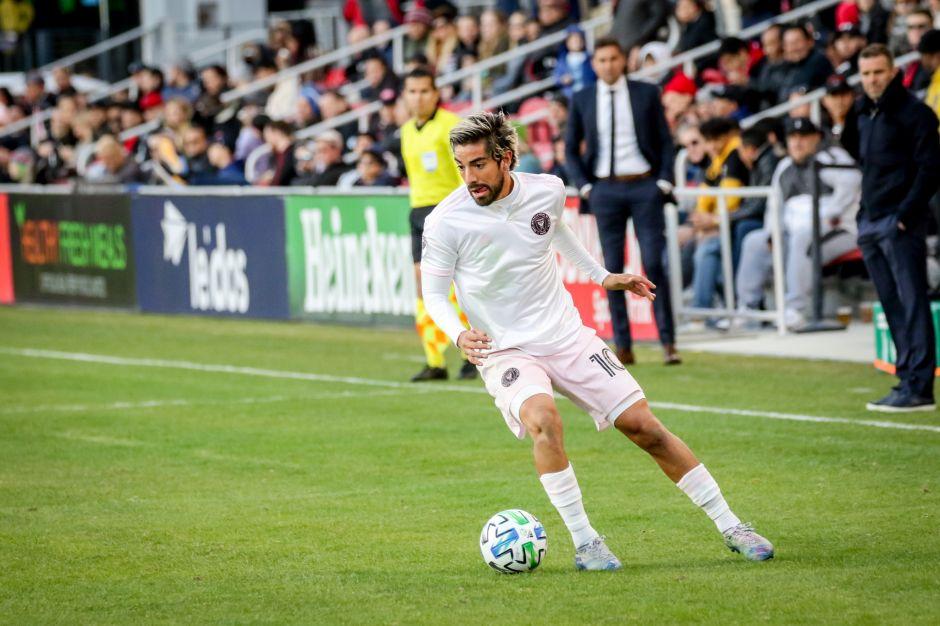 Rodolfo Pizarro fue mucha pieza para Raúl Jiménez en el primer amistoso internacional de eSports entre mexicanos