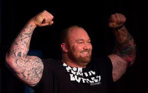 Histórico: Dos de los hombres más fuertes del mundo se enfrentarán en su debut en el boxeo