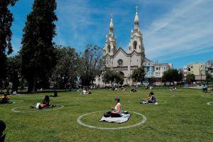 California rebaja tensiones con Trump al autorizar reapertura de iglesias. Habrá restricciones