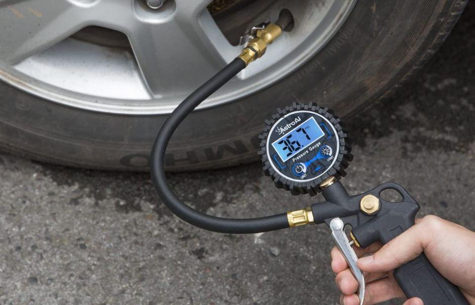 Los mejores medidores digitales de presión de neumáticos