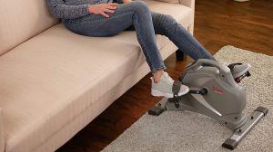 5 máquinas de pedales para ejercitarte mientras trabajas en casa