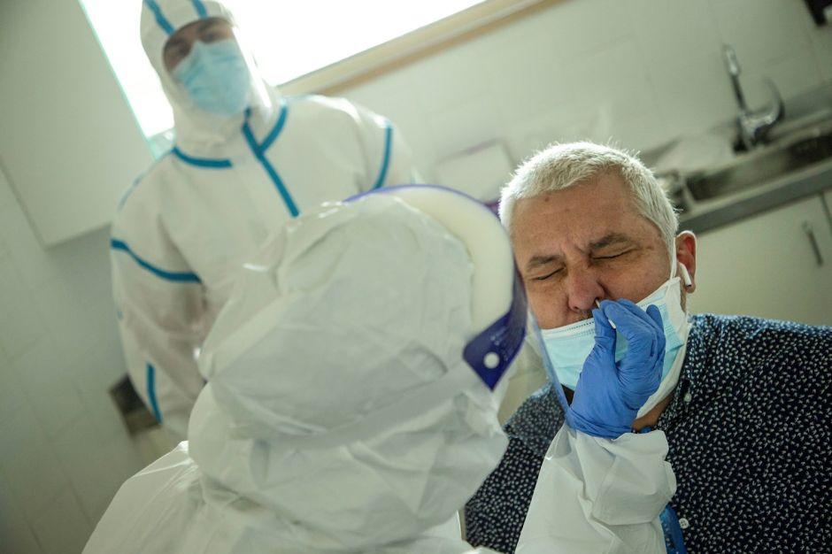Cómo sería un segundo pico de coronavirus, según los expertos