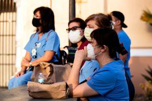 Coronavirus ataca a los latinos de Estados Unidos de manera desproporcionada. ¿A qué se debe?