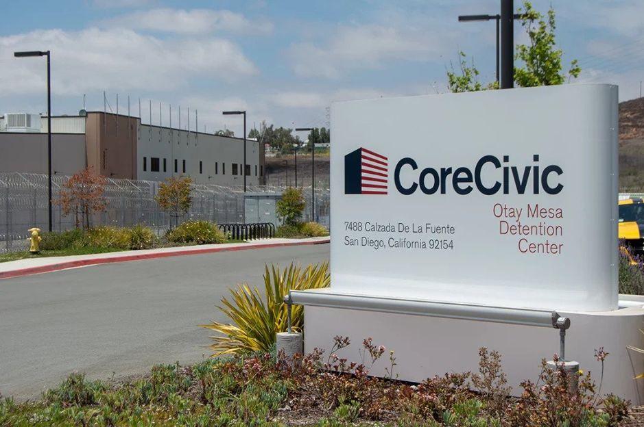 Muere el primer inmigrante por coronavirus en una cárcel de ICE
