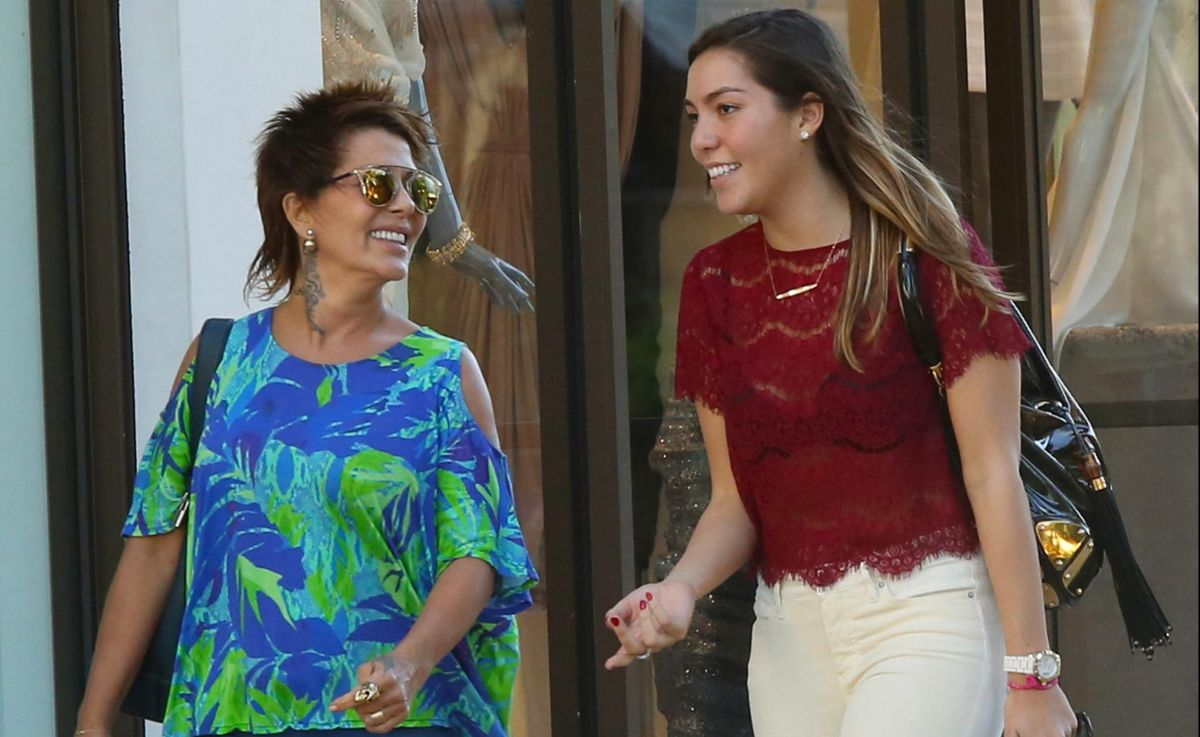 Photo © 2015 AKM GSI/The Grosby Group  EXCLUSIVE Miami, December 14, 2014 Mexican singer and songwriter Alejandra Guzman and daughter Frida Sofia enjoy a trip to Lincoln Road Mall as they chatted happily while enjoying the sights in sunny Miami.