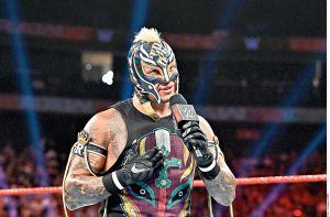 """Rey Mysterio quiere vengarse de Seth Rollins por su lesión en el ojo: """"Te haré la vida un infierno, cab…"""""""