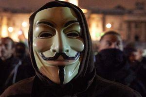 Anonymous amenaza a Estados Unidos tras asesinato de George Floyd