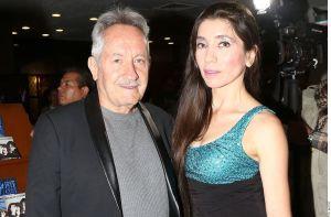 Viuda de José Ángel García, papá de Gael García, publica fotos del féretro abierto del actor