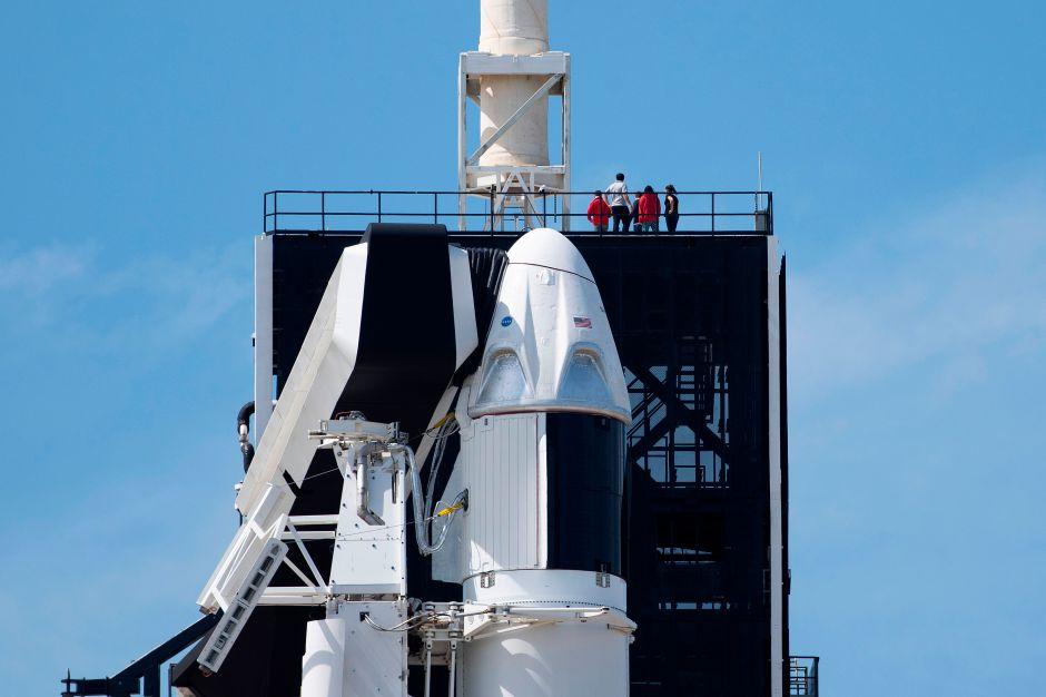 SpaceX está 'listo' para lanzar astronautas de la NASA en la nave espacial Crew Dragon