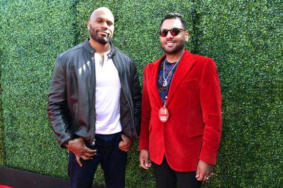 Shad Gaspard (izquierda) con Jas Mathur en la alfombra roja de los MTV Movie Awards 2019.
