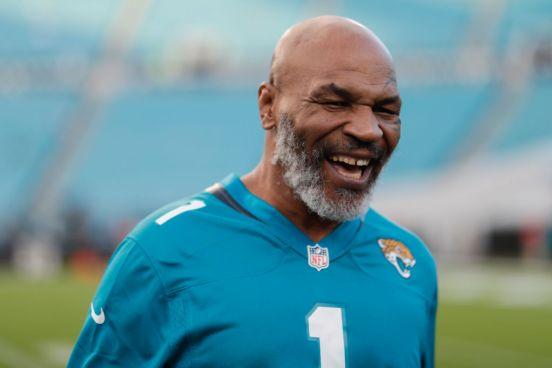 Mike Tyson en un partido de los Jacksonville Jaguars.