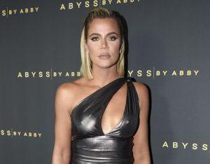 """Khloé Kardashian se sincera sobre lo más """"doloroso"""" de su positivo en coronavirus"""