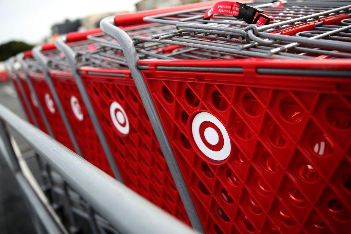 Es una estafa: mensaje de texto que promete $175 dólares de alimentos en Target es falso
