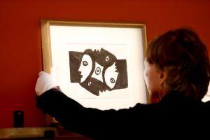 Gana pintura de Picasso valuada en $1 millón tras jugar sorteo de lotería internacional