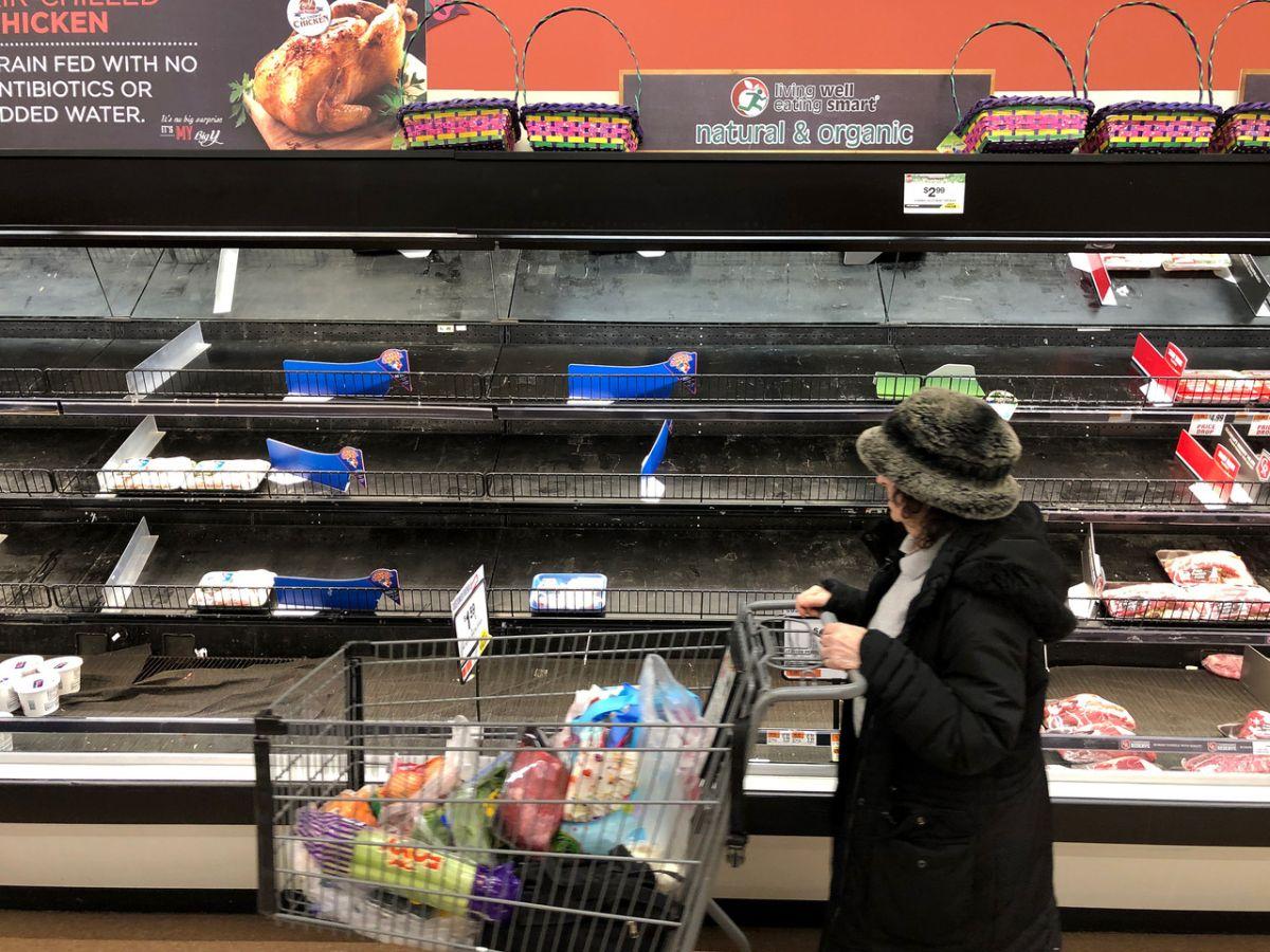 Las tiendas están haciendo lo haciendo lo necesario para no sufrir desabasto, pero la situación los está rebasando.