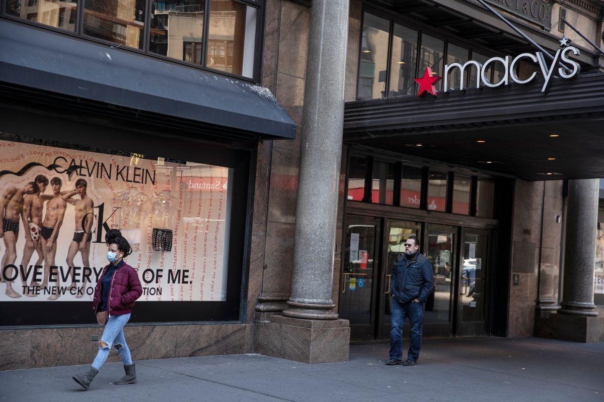Las ventas navideñas ayudaron a Macy's a cerrar un trimestre positivo luego de un 2020 adverso