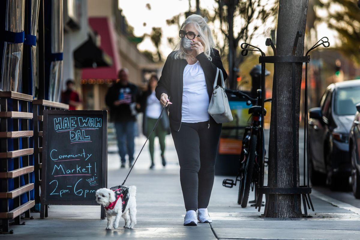 Empiezan las licencias de trabajo obligatorias en Long Beach para eliminar deficit presupuestario