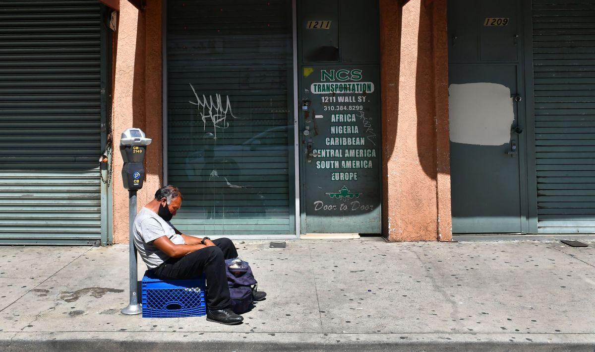 Los hombres hispanos son los más afectados, 22 por ciento dijo haber sido despedido..