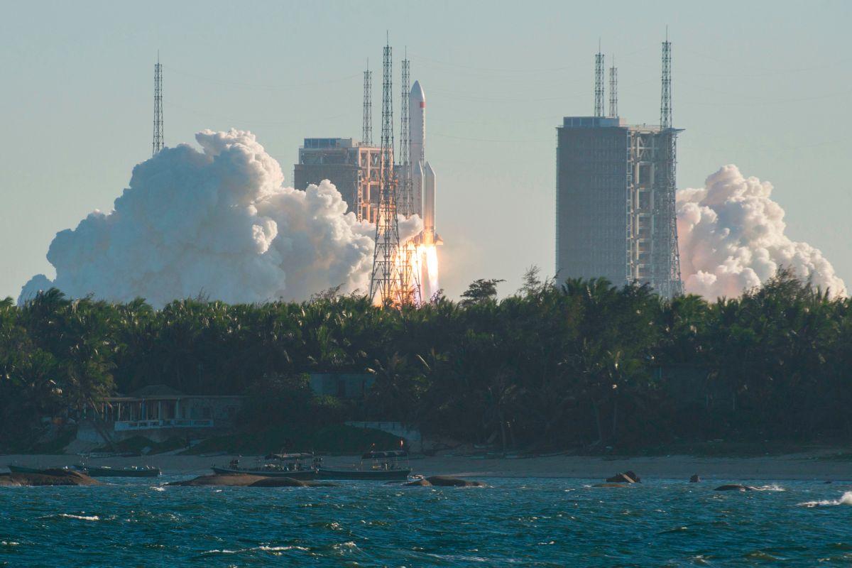 China lanzó un cohete Long March 5B el 5 de mayo.