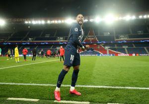 VIDEO: Se pasa de gracioso; Neymar le juega broma pesada a su hijo y se vuelve viral