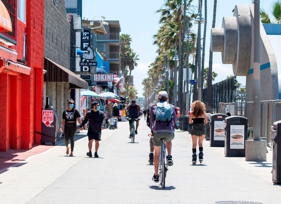 El condado de Los Ángeles espera reabrir el 4 de julio