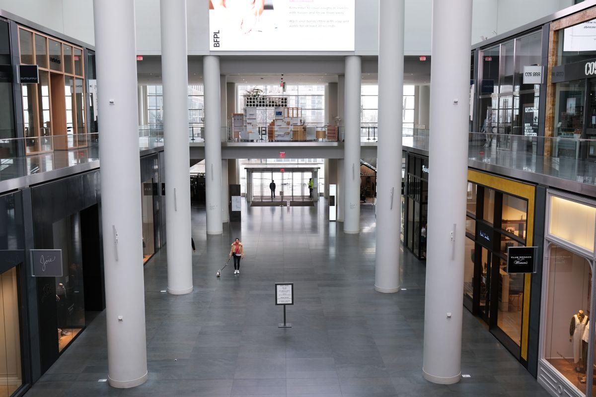 Los centros comerciales continuarán con el distanciamiento social y las tiendas departamentales  aplicarán nuevas reglas.