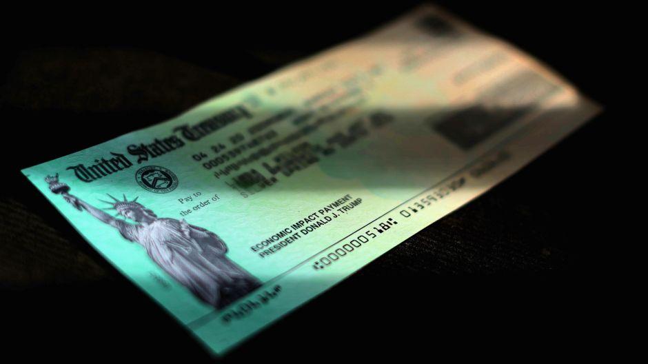 ¿Tendré que pagar el cheque de estímulo con mi reembolso de impuestos?