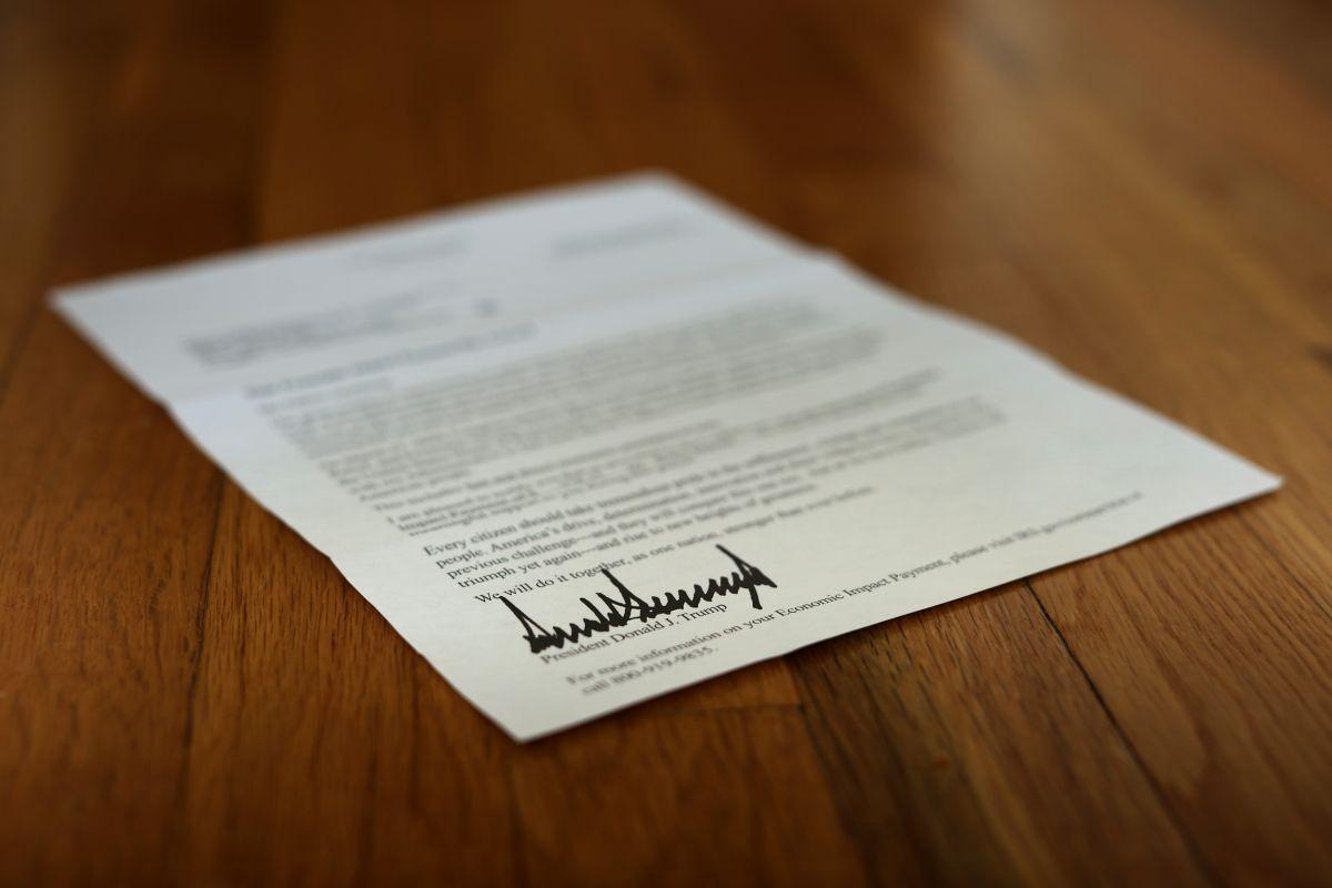 IRS asegura que envió los $1,200 a 130 millones de personas. Pero, ¿por qué no ha llegado a todos?