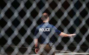 Tiroteo en distrito comercial de Arizona deja al menos dos muertos