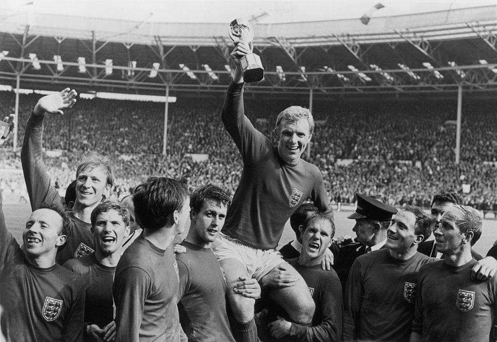 Hace 50 años: Bobby Moore estuvo cerca de no jugar el mundial de México 1970 por 'robar' una pulsera