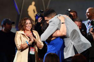 """Te extraño mucho"": Karl-Anthony Towns recuerda a su madre dominicana fallecida por coronavirus"